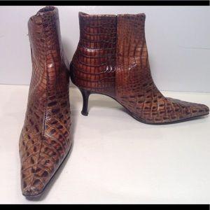 Donald j Pilsner  106 Sarra  croc ankle boots